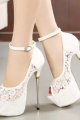 lace-high-with-sandals-1