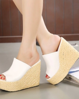 sexy-small-yards-slippers-1