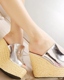sexy-small-yards-slippers-3
