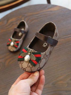 pantofi-pentru-fete-oggi